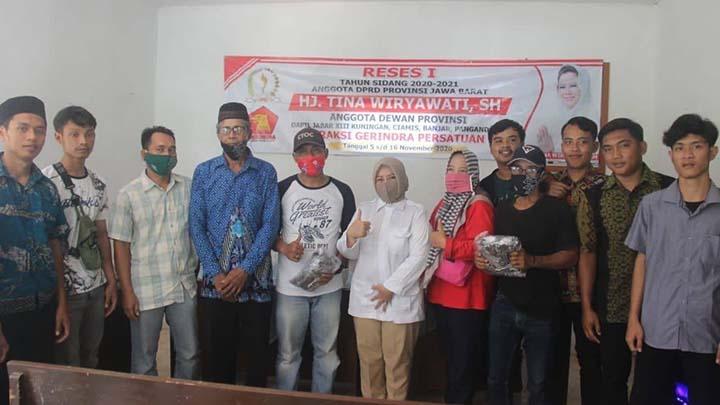Anggota DPRD Jabar Apresiasi Kaum Milenial Pangandaran Olah Pupuk Kompos (2)