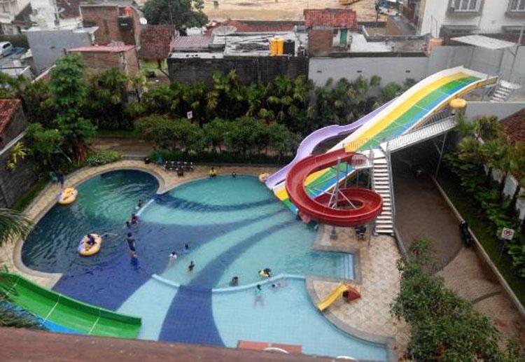 Grand Aquarium Hotel
