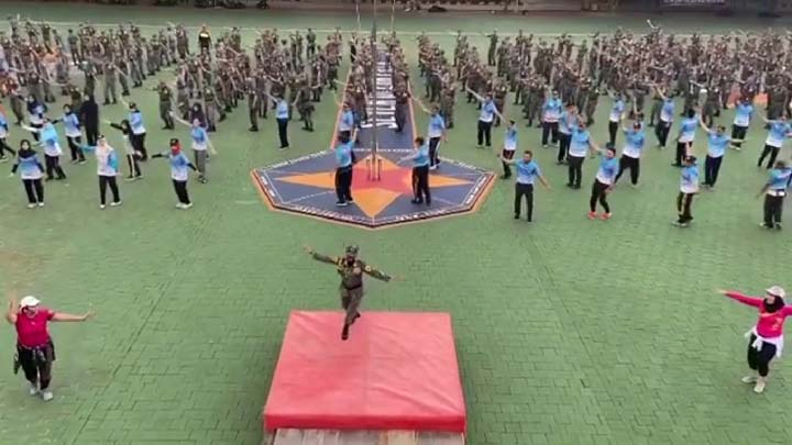 Civitas Akademika Poltekpel Banten Rutin Gelar Olahraga Pagi