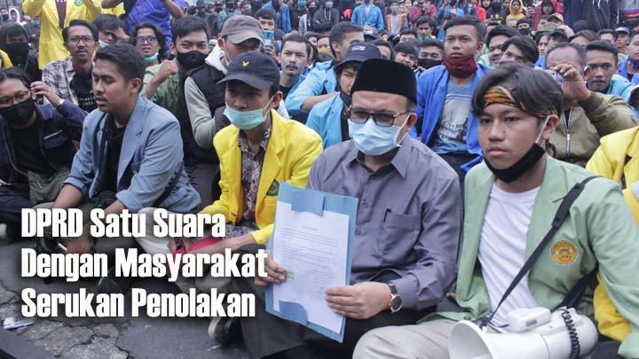 Demonstrasi Berlanjut, Ratusan Mahasiswa Geruduk DPRD dan Gelar Orasi