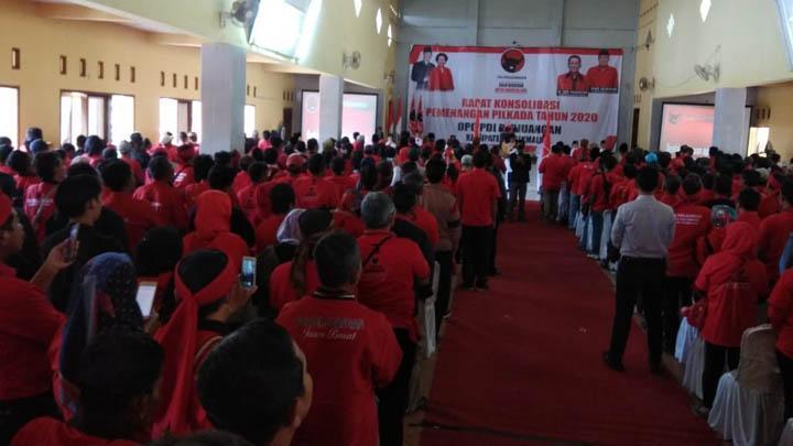 Koropak.co.id - Ade Sugianto Beberkan Kesulitan Di Hadapan Kader PDI Perjuangan