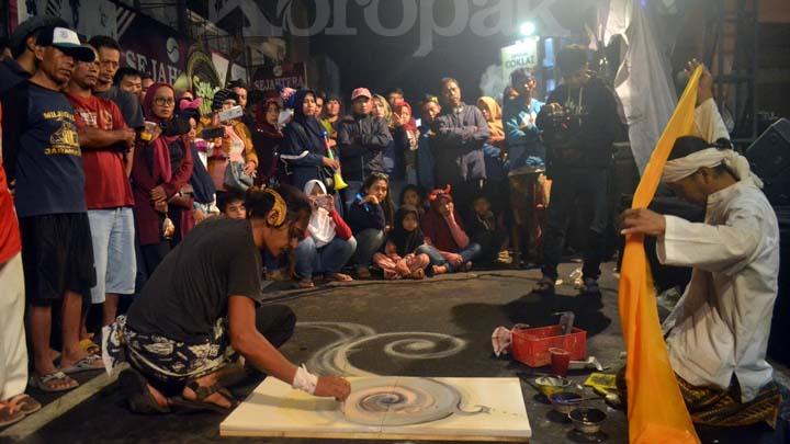 Koropak.co.id - Animo Masyarakat Tasikmalaya Tertuju di Festival Seni Akhir Tahun (2)
