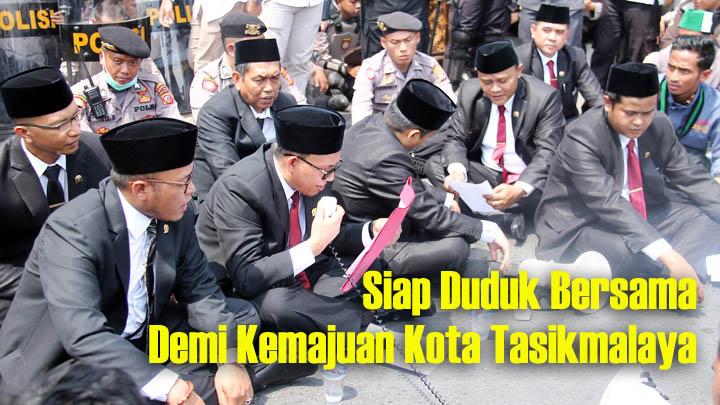 Koropak.co.id - Aslim Dilantik Sebagai Ketua Sementara DPRD Kota Tasikmalaya (2)