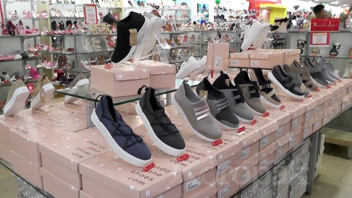 Sepatu dan Sandal dengan Desain Fashionable