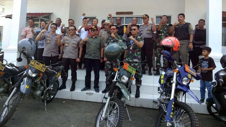 Koropak.co.id - Bersama TNIPolri, Bupati Tasikmalaya Monitoring Pilkades (3)