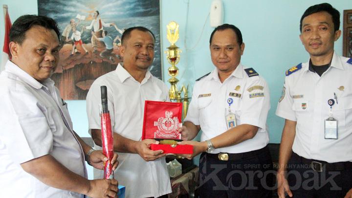 Koropak.co.id - BP2IP Tangerang Sapa SMA di Tasikmalaya (2)