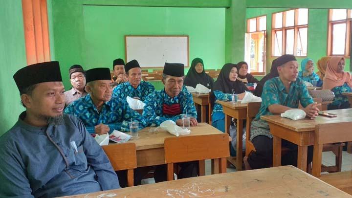 Koropak.co.id - Dampak Covid-19 Merambah Ke Lingkungan Madrasah Diniyah di Kabupaten Tasikmalaya