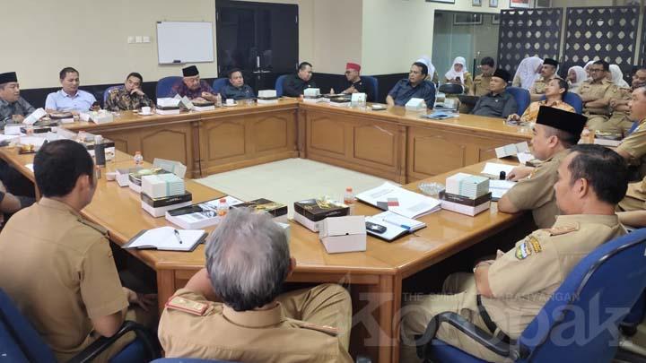 Koropak.co.id - Dewan Sebut Untuk Kemajuan Desa, Pemda Lalai (2)