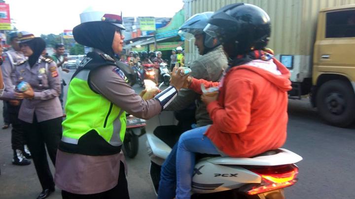 Koropak.co.id - Di Hari Ketiga Ramadan, Kapolres Turun Ke Jalan (2)