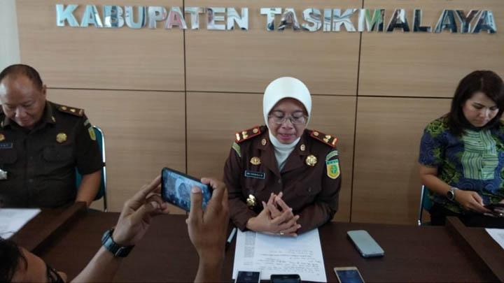 Koropak.co.id - Diduga Koruptor Akhirnya Dijebloskan Ke Penjara (2)