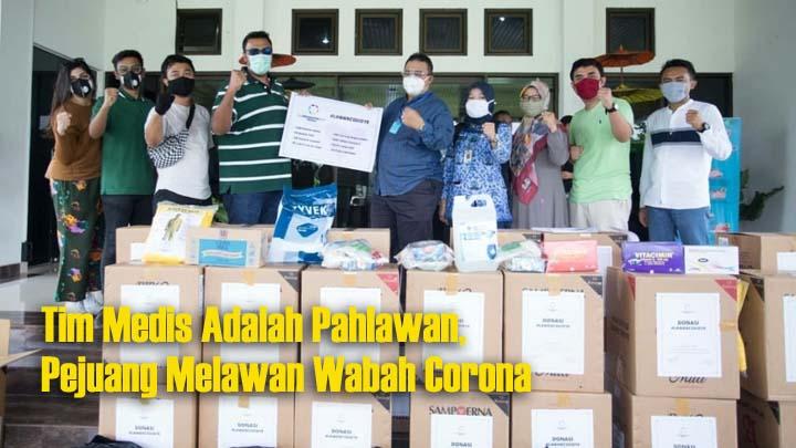 Koropak.co.id - Dukung Pemkot Lawan Corona, Alumni SMAN 1 Tasikmalaya Salurkan Bantuan APD