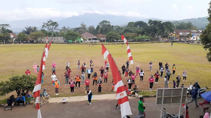 Koropak.co.id - Fun Aerobic Jadi Kegiatan Rutin Karang Taruna Bakti Desa Tanjungkerta