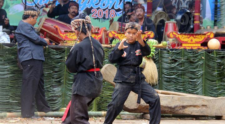 Hajat Lembur Kampung Cirangkong