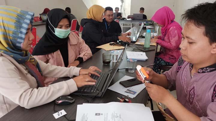 Koropak.co.id - Hari Pertama, Jumlah Pendaftar Calon Anggota PPK Membludak (2)