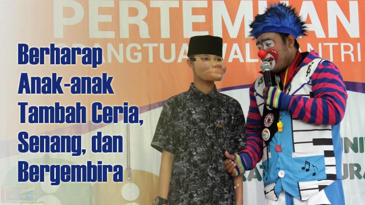 Koropak.co.id - Heboh! Badut Masuk Pesantren Rayakan Hari Anak Nasional (HAN) 2019 (2)