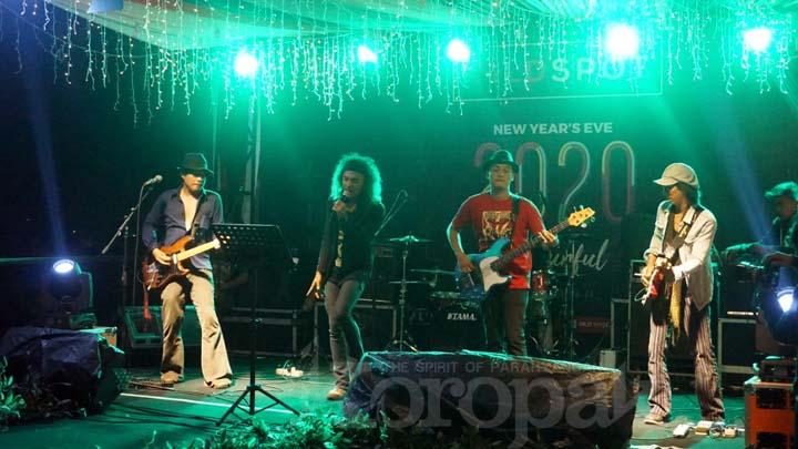 Koropak.co.id - Horison Rayakan Malam Pergantian Tahun Dengan Penuh Warna (2)