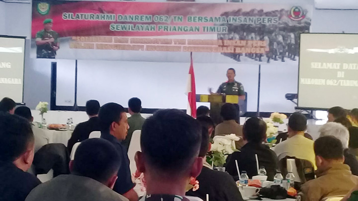 Koropak.co.id - Insan Pers Transparan Sampaikan Kinerja TNI (2)