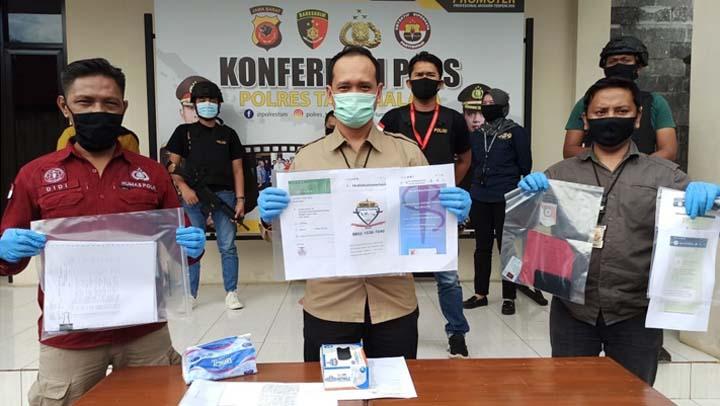 Koropak.co.id - Jual Jasa Nge-Hack Akun Sosmed di Situs Online, Seorang Pemuda Dicokok Polisi (2)