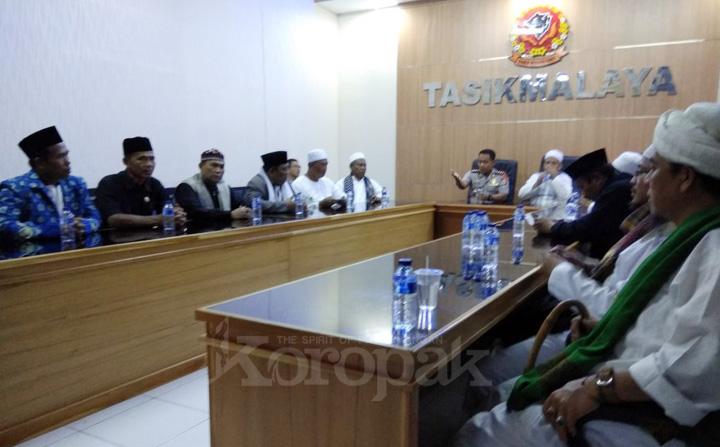 Ribuan Umat Islam Datangi Polres Tasikmalaya