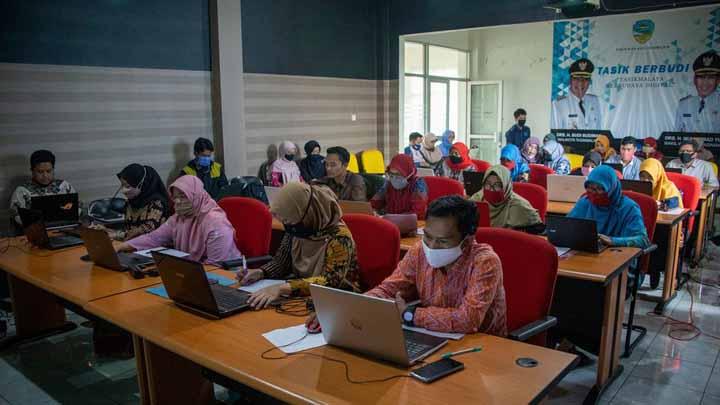 Koropak.co.id - KBM Tatap Muka Ditunda, Pemkot Tasikmalaya Sediakan Aplikasi Belajar Daring