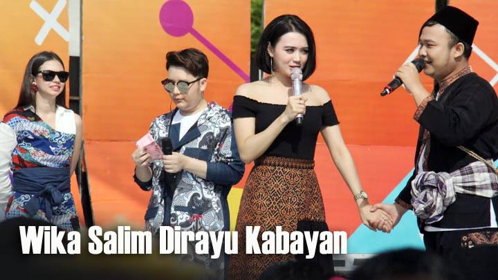 Koropak.co.id - Kecantikan Wika Salim Bius Penonton Karnaval SCTV Ciamis (2)