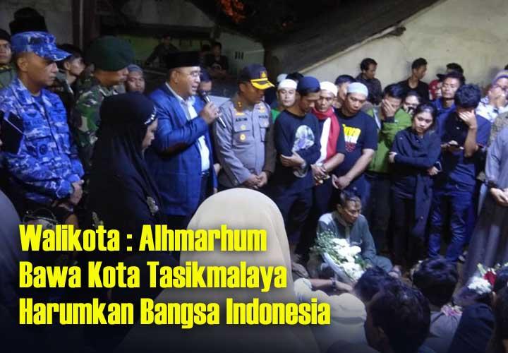Koropak.co.id - Kedatangan Jenazah Afridza Disambut Ribuan Masyarakat Tasikmalaya (2)