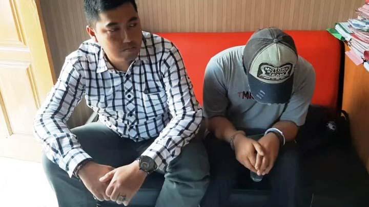 Koropak.co.id - Kekasih Digandeng Pria Lain, Sang Pacar Tebaskan Pisau Dapur (1)