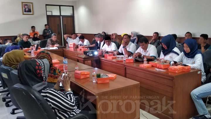 Koropak.co.id - Kepada Dewan, Pepmatas Jeritkan Carut Marut Penataan PKL Cihideung (2)