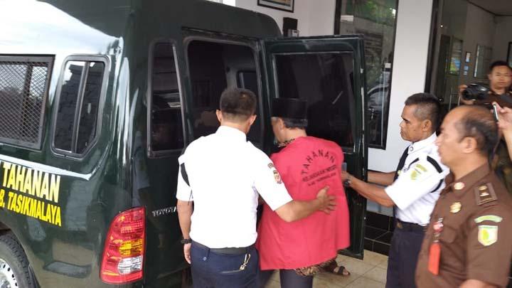 Koropak.co.id - Kepala Desa Sukasukur Dijebloskan Ke Hotel Prodeo