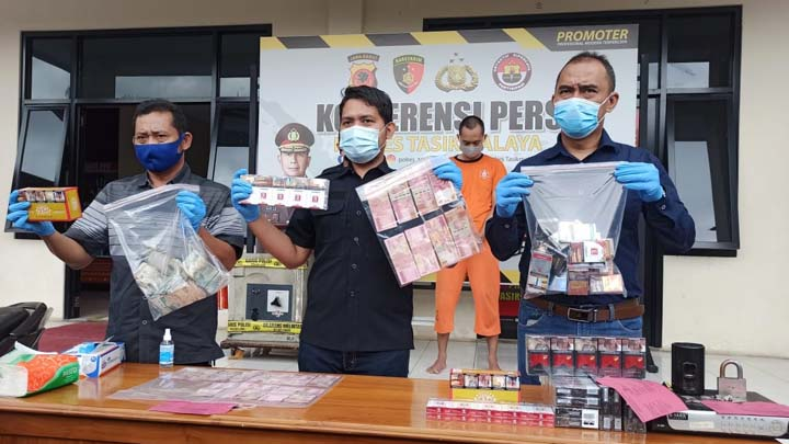Koropak.co.id - Kepala Minimarket Alfamart di Kabupaten Tasikmalaya Diciduk Polisi