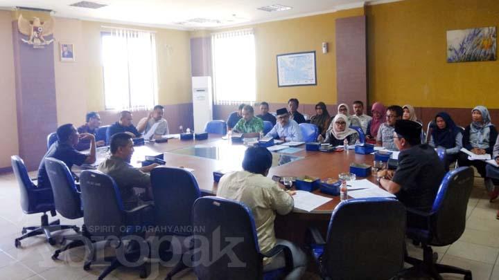 Koropak.co.id - Komisi I Dorong Bupati Ade Lahirkan Perbup Yang Dicabut Wagub (2)