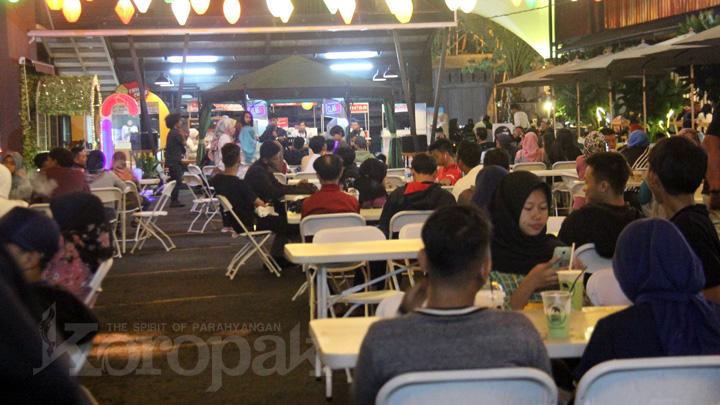 Koropak.co.id - Komunitas Cosplay Pecahkan Suasana Malam Tahun Baru (2)