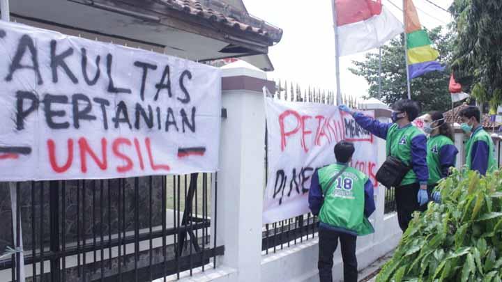 Koropak.co.id - Mahasiswa Tuntut Lahan Pertanian Pangan Berkelanjutan Secepatnya Diperdakan
