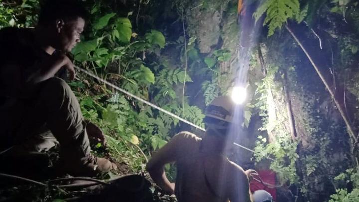 Koropak.co.id - Mapala STT Garut Terjatuh ke Gua Batu Badak (2)