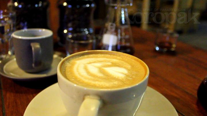 Ruang Gelap Coffee Usung Konsep Galeri dalam Cafe