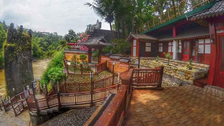 Koropak.co.id - Menikmati Suasana Kampung Korea di Taman Karang Resik Tasikmalaya (4)