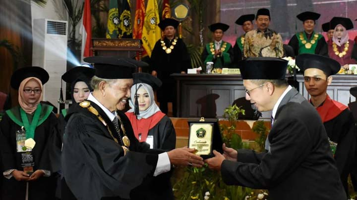 Koropak.co.id - Menteri Agama Diharap Buka Program Doktor di Ponpes Cipasung (1)