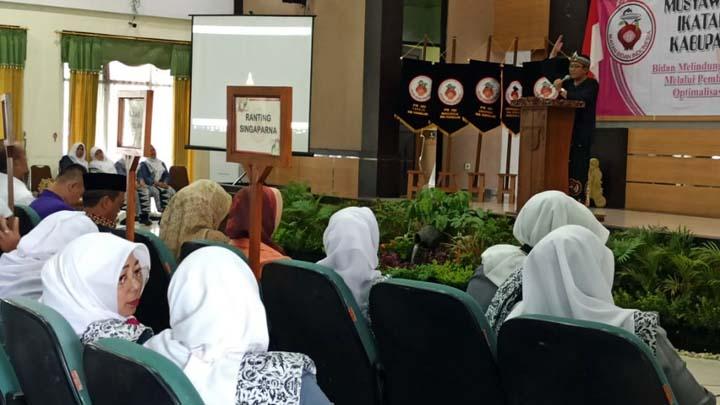 Koropak.co.id - PC IBI Kabupaten Tasikmalaya Lakukan Penyegaran (2)