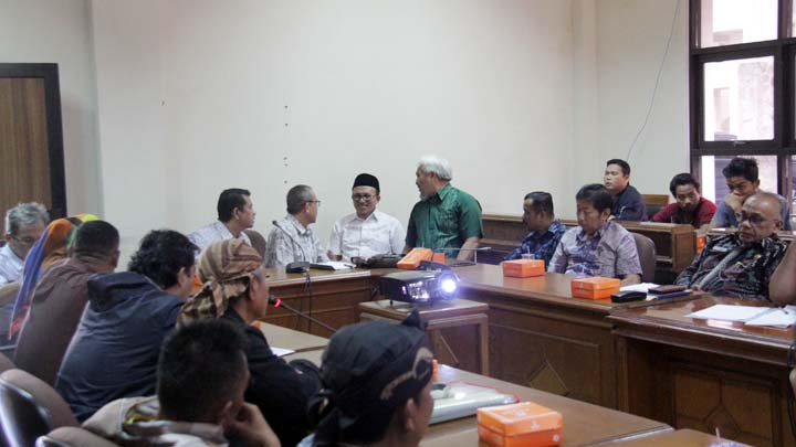 Koropak.co.id - Pemerintah Tidak Konsisten, Penataan PKL Tak Kunjung Tuntas (2)