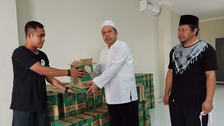 Koropak.co.id - Pemkab Tasikmalaya Tak Larang Salat Jumat, DMI Salurkan Cairan Disinfektan