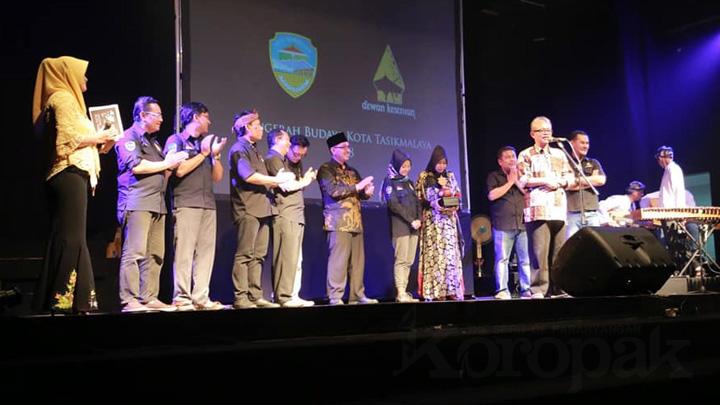 Koropak.co.id - Pendiri Teater Gawe Raih Anugrah Budaya (2)