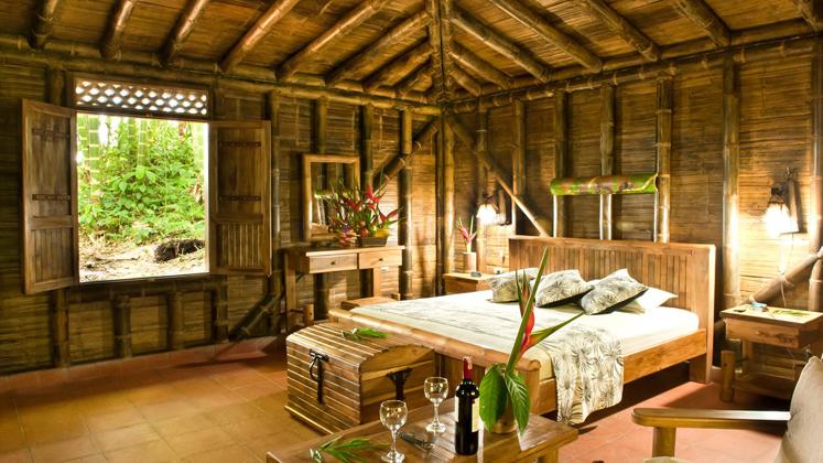 Desain Interior dan Eksterior Bambu