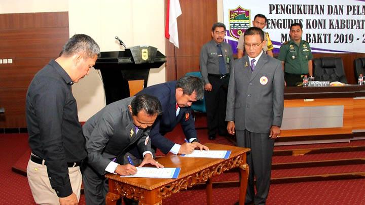 Koropak.co.id - Pengurus KONI Kabupaten Ciamis Periode 2019-2023 Resmi Dilantik