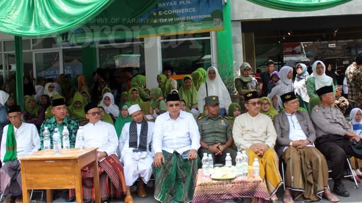 Koropak.co.id -Peringati Hari Santri Nasional, Santri Dihadiahi UU Pesantren (3)