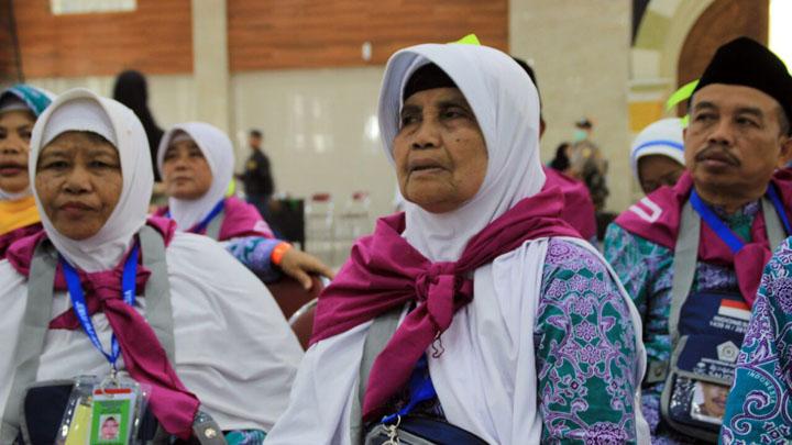 Perjuangan Panjang Tukang Gorengan Naik Haji