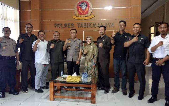 Koropak.co.id - Perjuangkan Aspirasi Masyarakat, Dewan Datangi Polres Tasikmalaya (2)