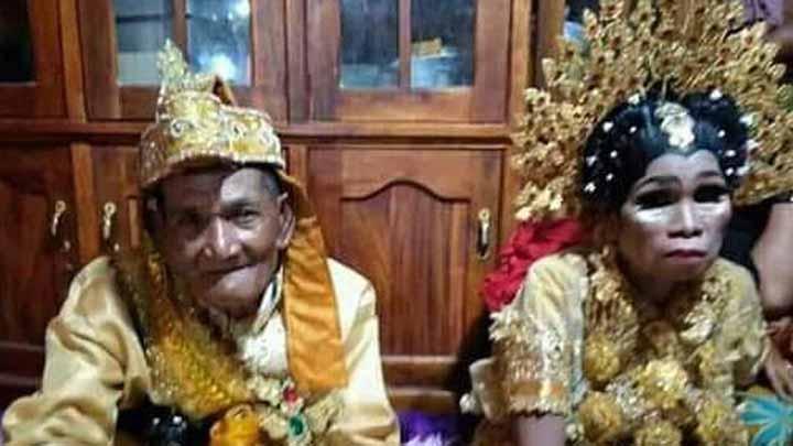 Koropak.co.id - Pernikahan Pasangan Lanjut Usia di Sulawesi Selatan Ini Hebohkan Warganet