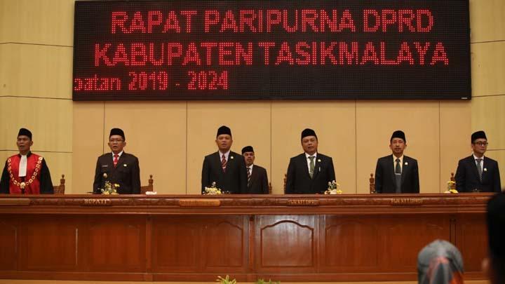 Koropak.co.id - Pimpinan DPRD Kabupaten Tasikmalaya Dilantik (2)
