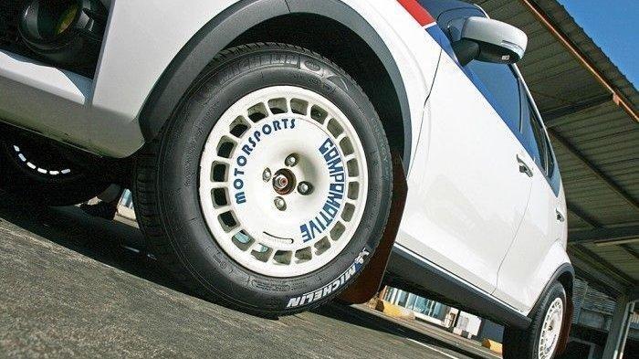 Koropak.co.id - Rally Look, Jadikan Mobil Lebih Sporty 2