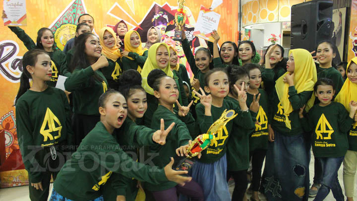 Koropak.co.id - Rangga Setra Borong Piala di Pasanggiri Rampak Jaipong (2)